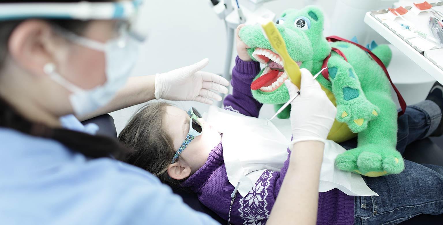 Kinderbehandlung in Ihrer Zahnarztpraxis Stuttgart
