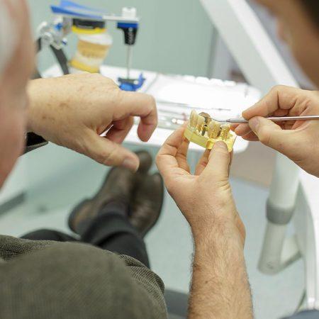 Zahnersatz in Ihrer Zahnarztpraxis Stuttgart